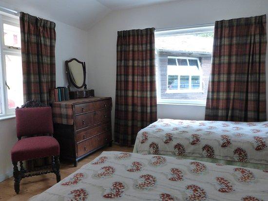 Owl twin bedroom