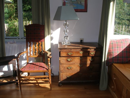 Wray, UK: Window seat main sitting room