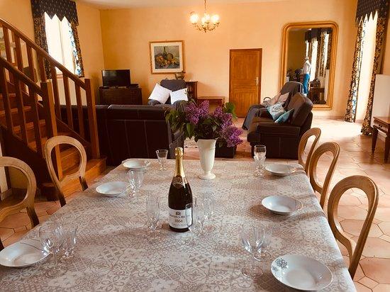 Jarzé-Villages, France : Ecurie dining room