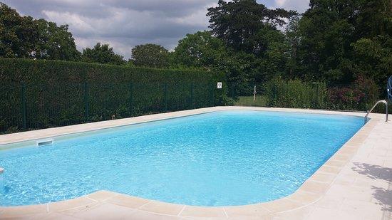 Jarzé-Villages, France : Pool