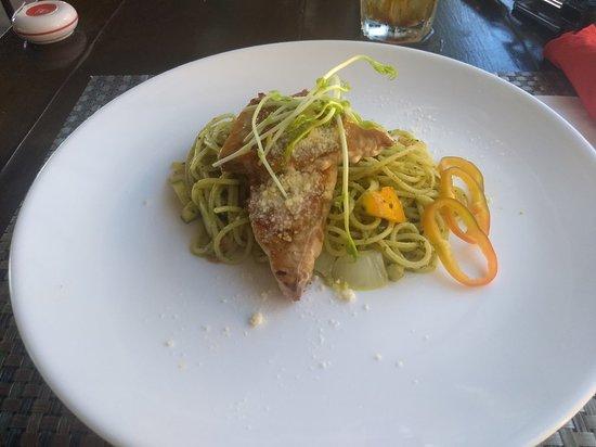 Red Coconut Beach Restaurant: Blue Marlin over Pesto Noodles