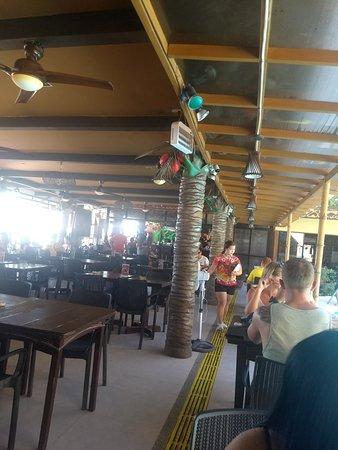 Red Coconut Beach Restaurant: Interior