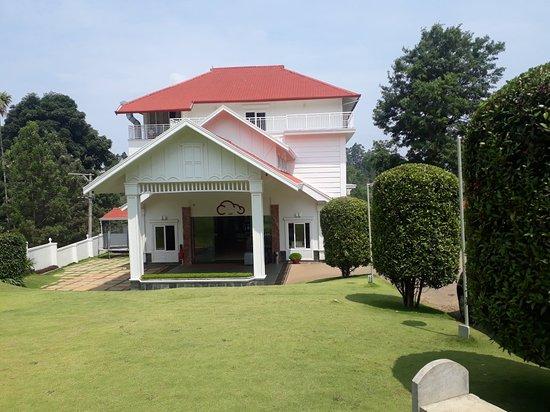 Entrance - The Fog Resort & Spa Photo