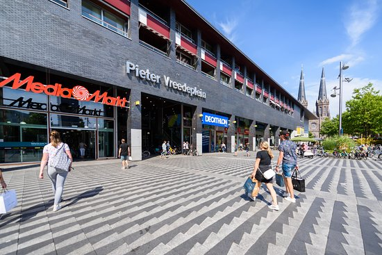 Tilburg, Pays-Bas: Het Pieter Vreedeplein.