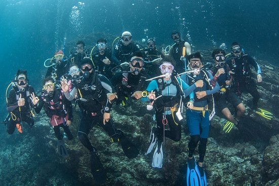 Clean up at Koh ha together with Phuket divers and Phuket Police