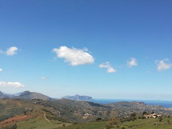 Ventimiglia di Sicilia, Italië: Prospettiva sul golfo di Palermo.