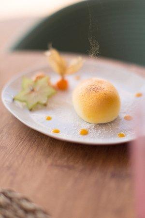 A l'escale des desserts, c'est la cheffe pâtissière Olivia Kakou, qui signe une carte gourmande à déguster au déjeuner mais aussi à l'heure du goûter.
