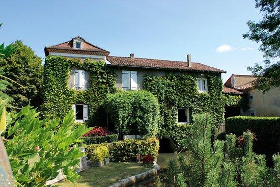 Moulin de la Veyssiere: Moulin Extérieur
