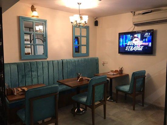 Cute & cozy cafe offering delicious food