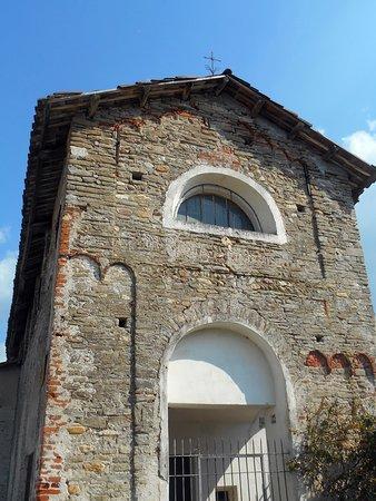 Carru, Italija: facciata