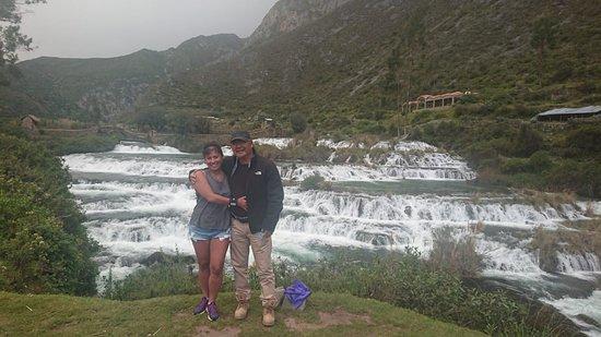 Yauyos, Перу: Huancaya!!! ❤ a 3,800 mts ,Hermosas caídas de agua, paisajes sin igual.....ninguna foto supera lo que vez!!!! Busquen el Hotel Villa de Arma KM 160.8