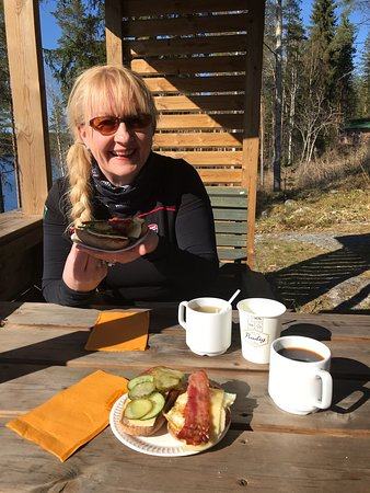 Rautalampi, Suomi: Great view and so delicious home made baked goods!