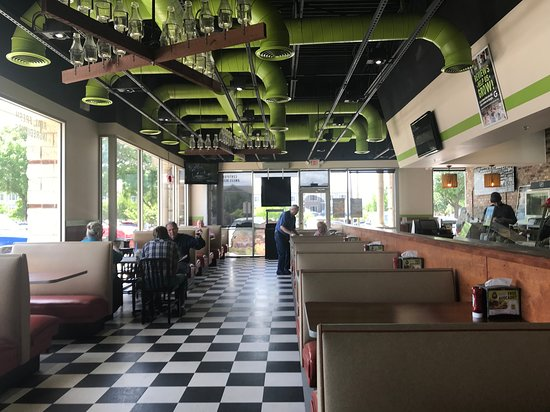 Decor And Seating Picture Of Mooyah Burgers Fries Shakes Plano Tripadvisor