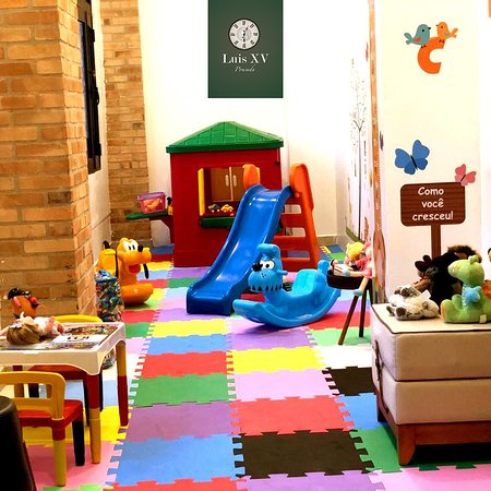 Espaço Kids/ Brinquedoteca Pousada Luis XV.    Espaço destinado para que as crianças também possam ter seu tempo de lazer. Com brinquedos, livros e um espaço lúdico para que eles possam soltar a imaginação.