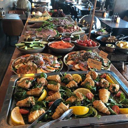 Suveræn brunch-buffet!!