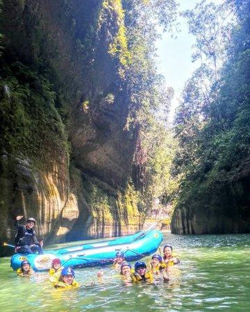 Travesía por el cañón del río Guejar