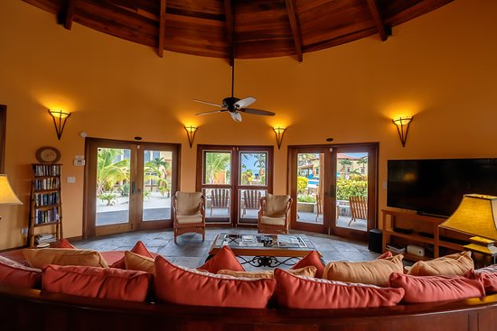 Seascape Villas 5 (Villa Descanso) Living Room View.