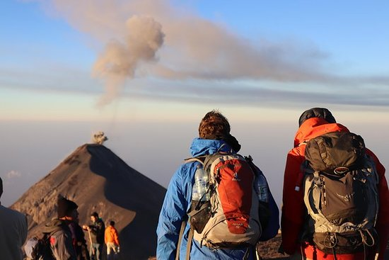 Overnatting Volcano Acatenango...