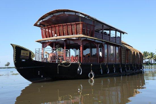 Rajahamsam houseboats