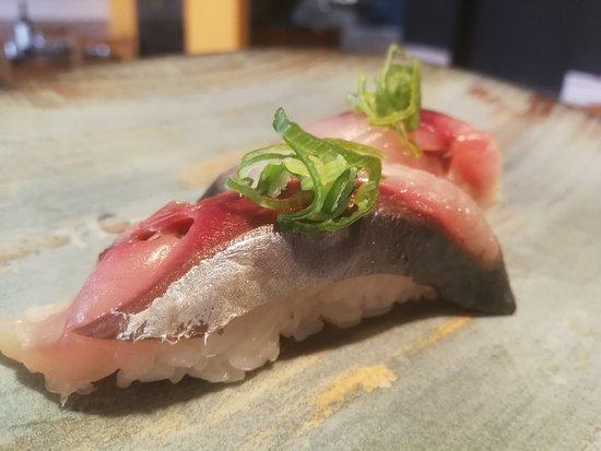DEBA Sushi Lounge: Nigiri de caballa