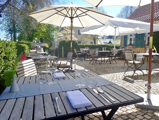 Franzosisch Restaurant Munchen Terrasse Picture Of Pullach Im