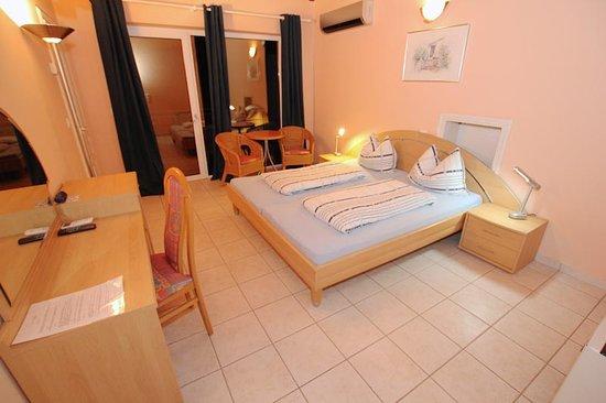 Kukci, كرواتيا: Doppelzimmer mit Balkon     Villa Mala