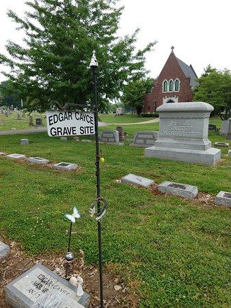 Edgar Cayce Gravesite