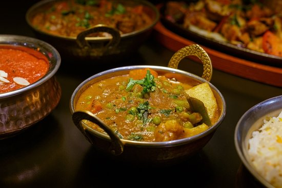 India Poort Indian Restaurant: An amazing and delicous curry for our vegetarian and vegan guests. Shared dining!