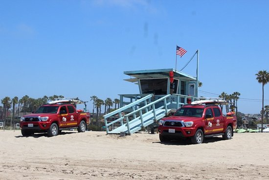‪L.A.'s Iconic Lifeguard Towers‬