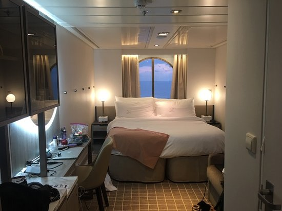 Celebrity Summit: Celebrity Cruise stateroom