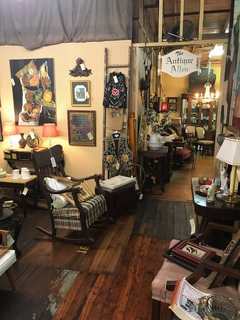 Macon, GA: Great find tons of unique antiques