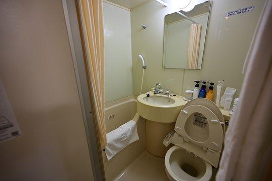 Royal Hotel Odate: 大浴場があるので狭くても良いが