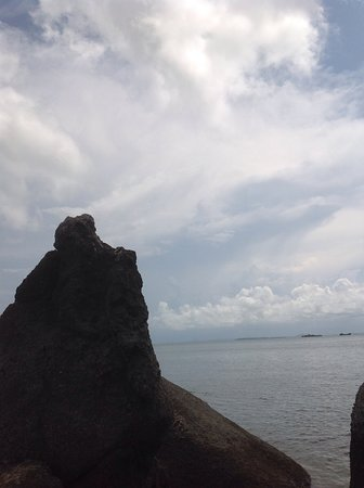 Bangkatour - Private Tours: Batu dinding beach Bangka island by : bangkatour.com