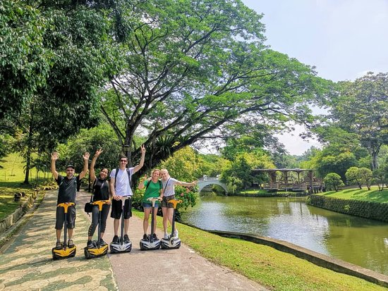 Изображение Segway Tour: Guided Eco Ride at KL Lake Gardens including Islamic Arts Museum