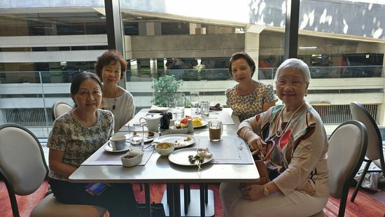 EQ Kuala Lumpur: We had an excellent all day dinning at nipah restaurant. Your staff was very excellent in there service in particular Idham Hamizul Michelle