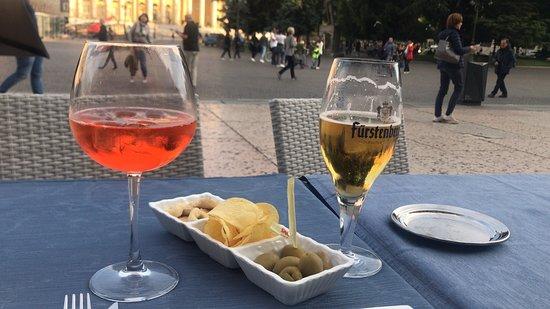 Вкусное кафе на главной площади Вероны