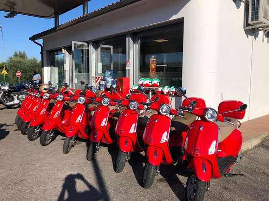 Vespa Rentgarda - Garda lake tours and rentals