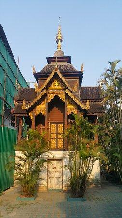A fine 'tower' in the Wat Ou Sai Kham courtyard