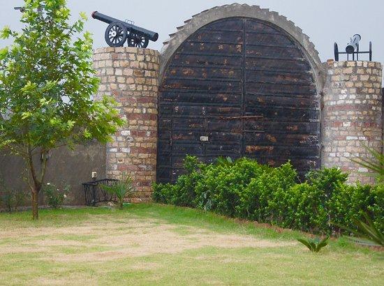 Punjab Province, Pakistan: Khajula fort