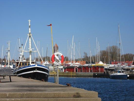Råå Vallar badplats: le port