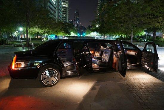 Lujo Leasing Inc- Servicio de Limousine