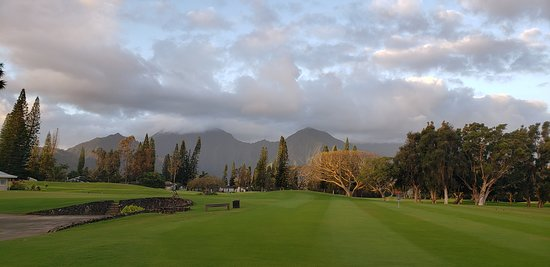 Princeville Makai Golf Club: View from the practice area. Putting green / chipping area.