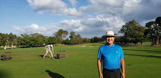 Princeville Makai Golf Club: Driving Range, the starter was very informed and welcoming.