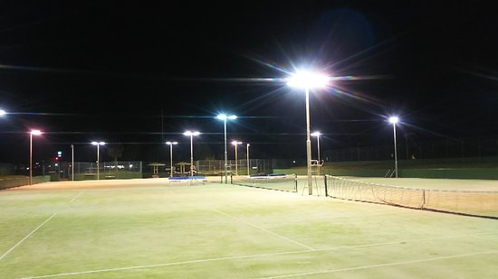 Yamane Park Tennis Court