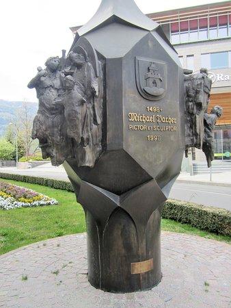 Brunico, Włochy: Michael Pacher Gedenkskulptur in Bruneck