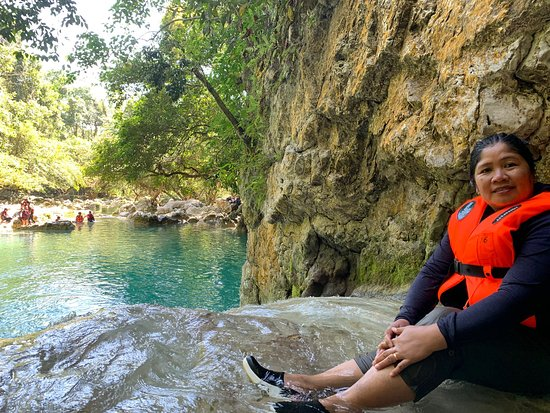 Baggao, ฟิลิปปินส์: Blue Water Falls and Cave