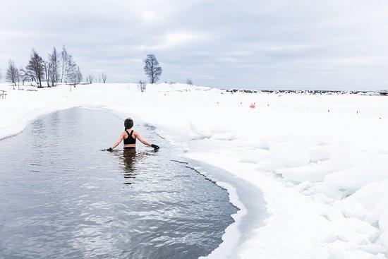 Finlandia: Suomi