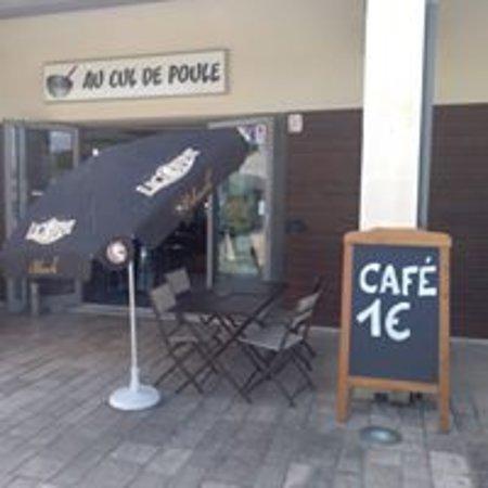 Chermignac, Francia: Bienvenue   CAFE à 1€