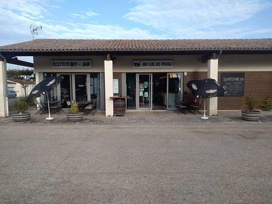 Chermignac, Francia: TERRASSE DU RESTAURANT