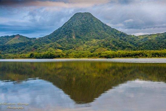 Samana, Колумбия: hermosos paisajes, recoorridos en lancha.